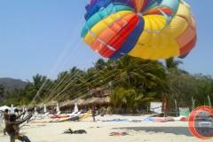 Playa la Ropa - Paseo en paracaidas