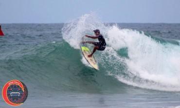 escolleras verano 201 surfer Pablo Guerrero