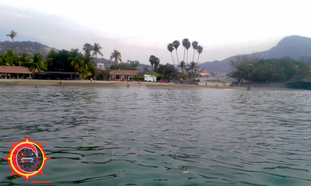 Sunrise Zihuatanejo main beach