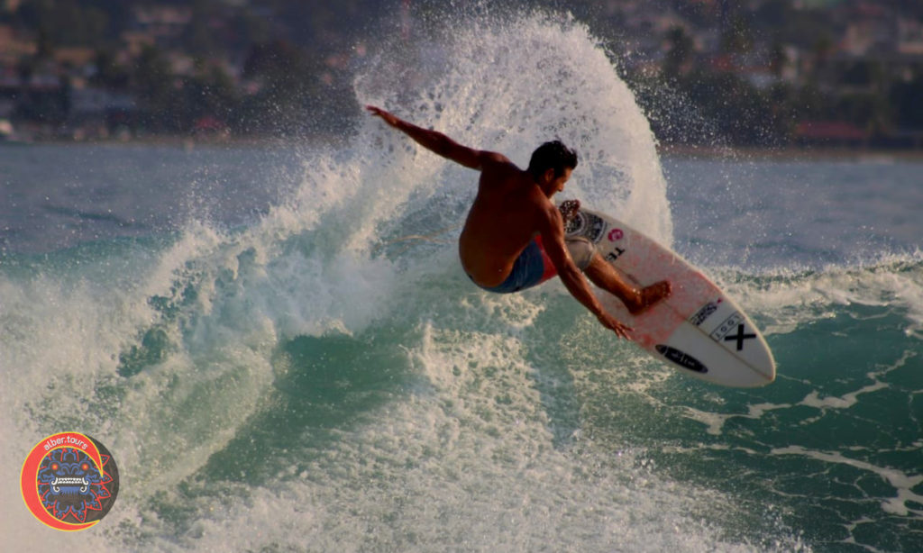 Surfing  Playa Las Gatas  surfer Erick Avila