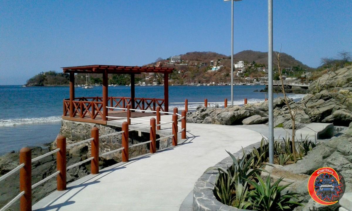 Paseo del Pescador Zihuatanejo